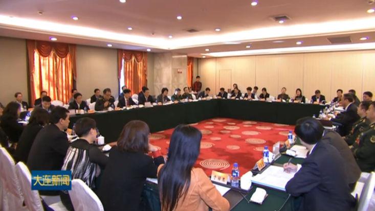 市第十二次党代会代表分组审议市纪委工作报告