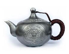 105322龙腾如意银茶壶