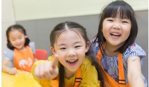 """艺术伞国际儿童艺术中心 为孩子天性筑起""""保护伞"""""""