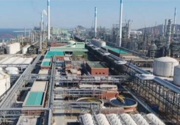 国内最大规模炼化一体化项目在连投料生产