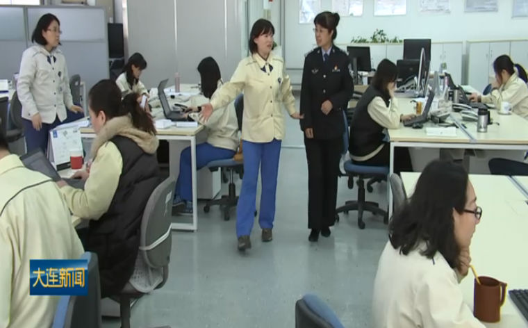 """记者走基层:民警杜晓静的""""企业管家""""之路"""