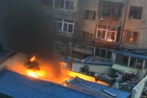 沙河口华北路附近一美食广场起火