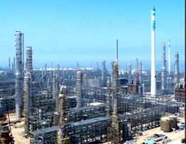 恒力2000万吨年炼化一体化项目迎来设备安装高峰