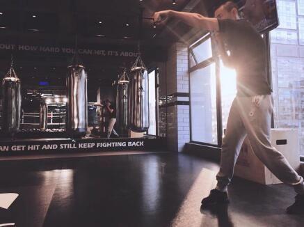 成都白领拳击馆BOXINGBOX,发泄负能量,塑造完美人鱼线
