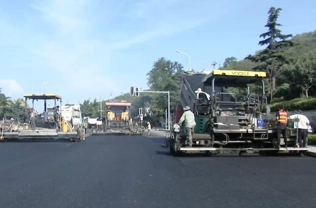 抢抓施工 市区道路维修进入尾声