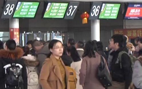 大连机场春节期间承运量超33万人