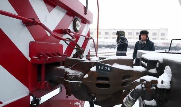 風雪中的石油鐵軍