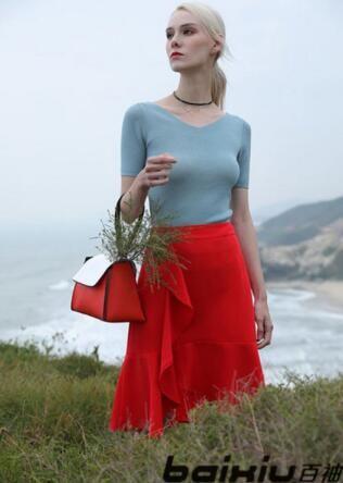 百袖时尚服装随时随地的美丽 美妙身材更有魅力