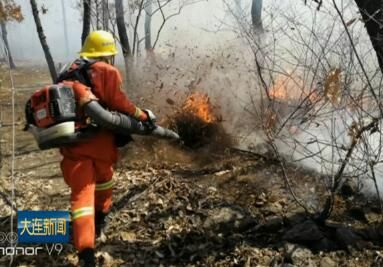 警方开展打击野外违规用火专项行动