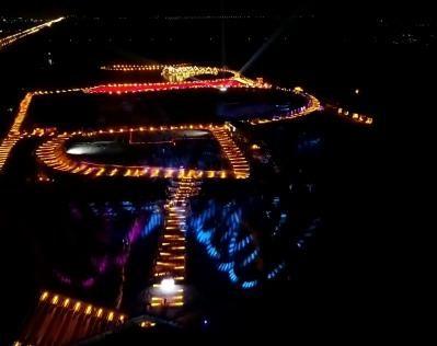 盤錦:冰雪燈光秀_稻香紅海灘