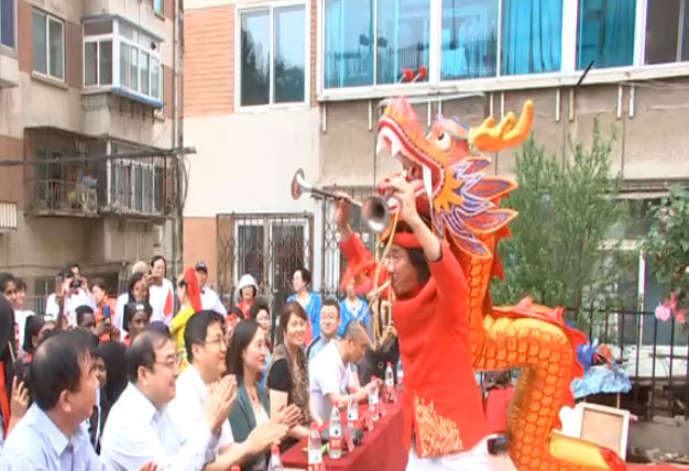 粽香飘飘传友情 和谐文明庆佳节